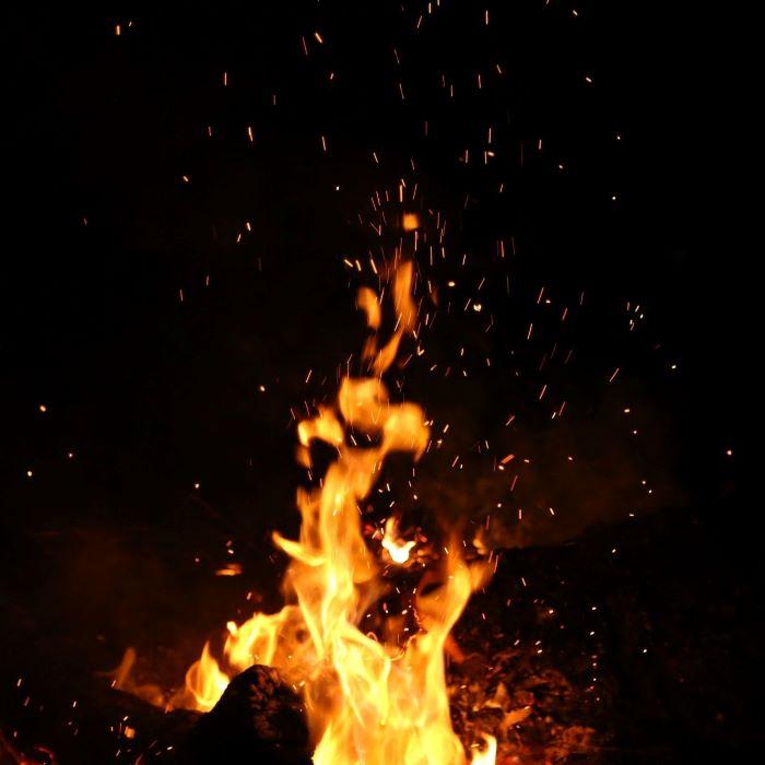 «Qui a éteint le feu ?»: une lecture mise en danse du dernier recueil de Jean-Noël Cuénod